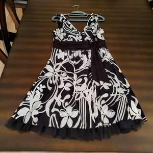 Love Tease Black & White Floral Dress - L
